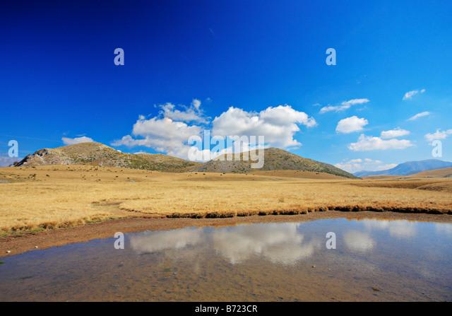 Teich im Mavrovo region Stockbild