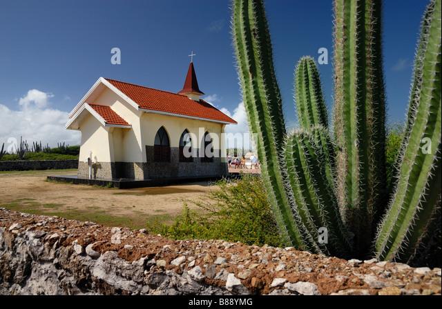 Die Alto Vista Kapelle ist eine kleine katholische Kirche auf den Hügeln oberhalb der Nordküste auf der Stockbild