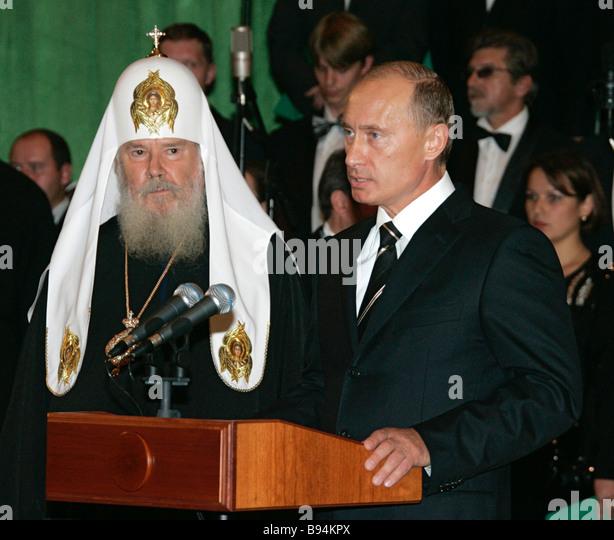 Der russische Präsident Vladimir Putin direkt anlässlich der Kathedrale von Christus den Erlöser Stockbild