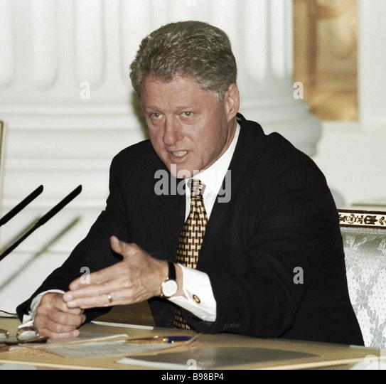 US-Präsident Bill Clinton auf einer Pressekonferenz der amerikanischen und russischen Führer bei seinem Stockbild