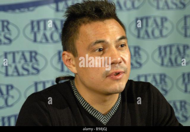 Superleichte Boxweltmeister Konstantin Tzyu geben eine Pressekonferenz im ITAR TASS Stockbild