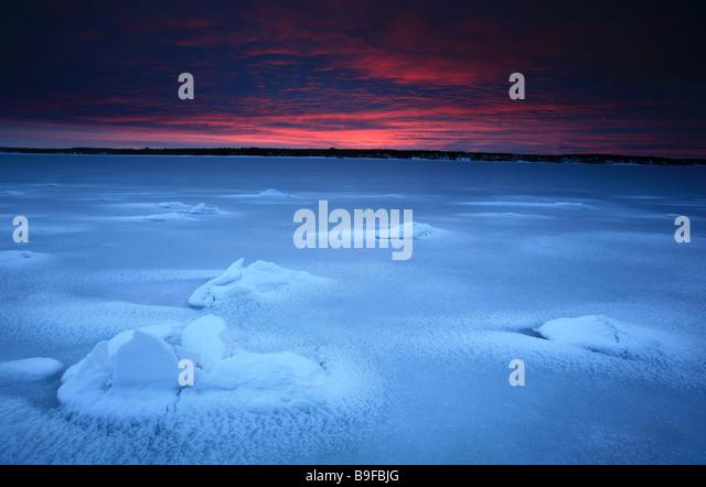 Winterlandschaft bei Kurefjorden in Rygge Kommune, Østfold Fylke, Norwegen. Stockbild