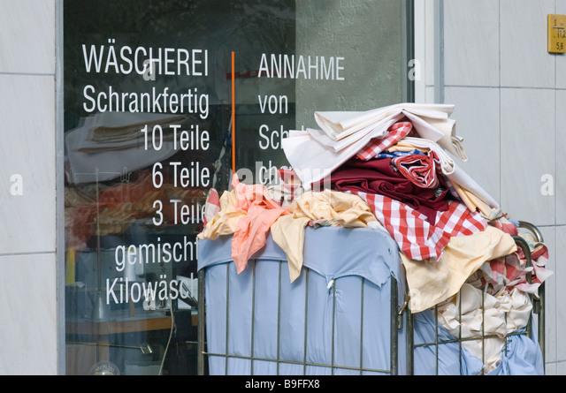 street cleaning berlin stockfotos street cleaning berlin. Black Bedroom Furniture Sets. Home Design Ideas