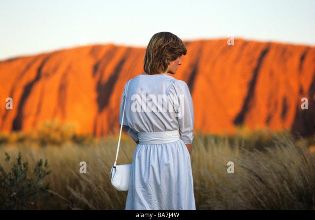 Prinzessin Diana am Uluru beobachtet den Sonnenuntergang am Ayers Rock march1983 Stockbild