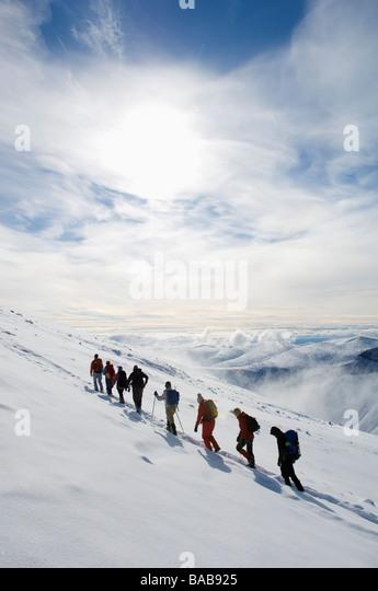 Eine Gruppe von Menschen klettern Kebnekaise Schweden. Stockbild