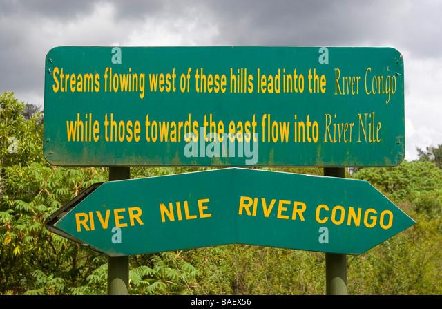 Nil/Kongo Wasserscheide Zeichen, Nyungwe Nationalpark, Ruanda Stockbild
