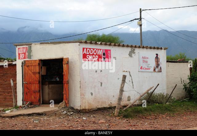 Kaufen Sie in einem Township Swellendam Südafrika ein Stockbild