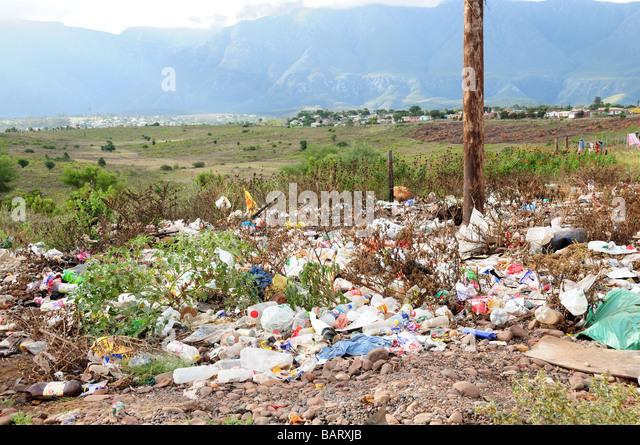 Ribbish außerhalb eines afrikanischen Township Swwellendam Südafrika Stockbild