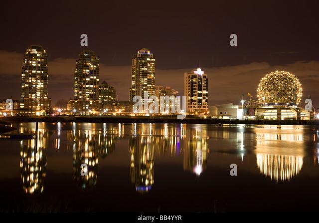 Die Skyline von Vancouver und Science World British Columbia Kanada Stockbild