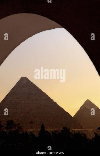 Die großen Pyramiden bei Sonnenuntergang - Stock-Bilder