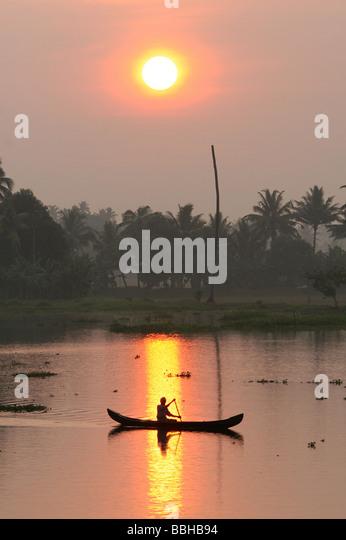 Fisherman.Early Morgen in den Backwaters, Kerala.India Stockbild