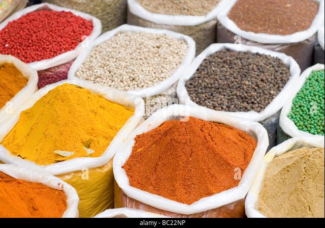 Indische Gewürze zum Verkauf auf dem lokalen Markt. Goa (Palolem Beach), Indien. - Stock-Bilder
