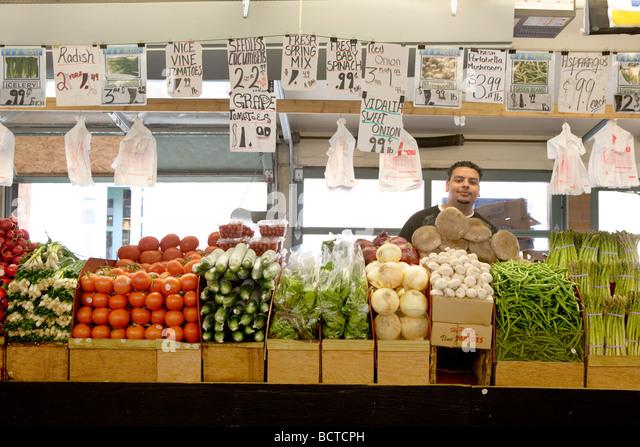 Frische Produkte auf Westseite Markt in Cleveland Ohio Stockbild