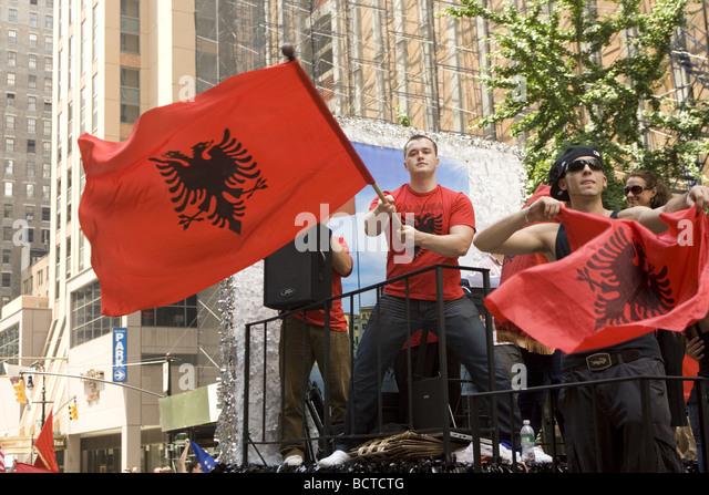 2009 internationale Einwanderer Parade NYC stolz albanischen Amerikaner an der parade - Stock-Bilder