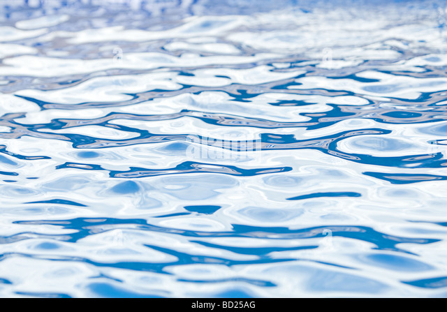 Schuß über einen Swimming Pool Stockbild