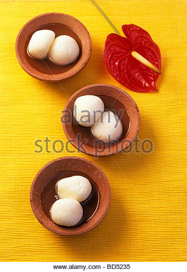 Rasgulla (süße Käsebällchen aus Indien) Stockbild