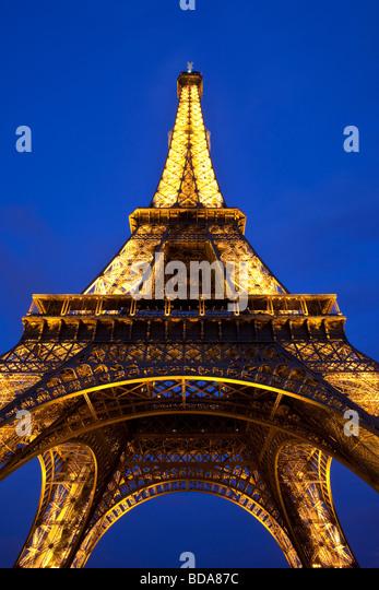 Eiffelturm in der Nacht, Paris Frankreich Stockbild