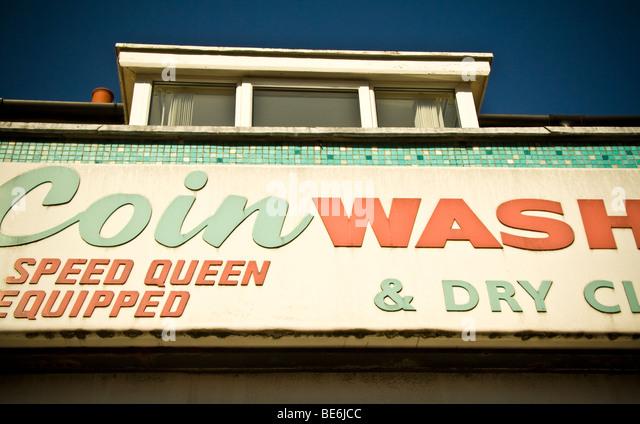 Münze Wash Wäscherei und chemische Reinigung abstrakte Zeichen Stockbild