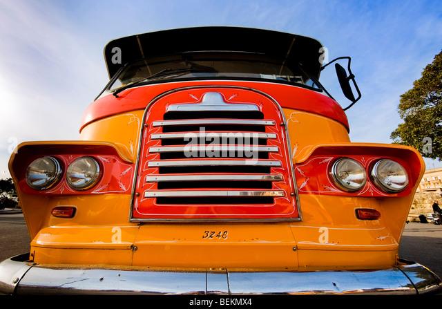 Altmodische Retro-Kühlergrill der bunten bus Stockbild