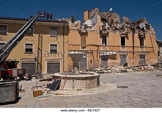 Umbau 2009 Juni, Palast, l ' Aquila, Abruzzo, Italien Stockbild