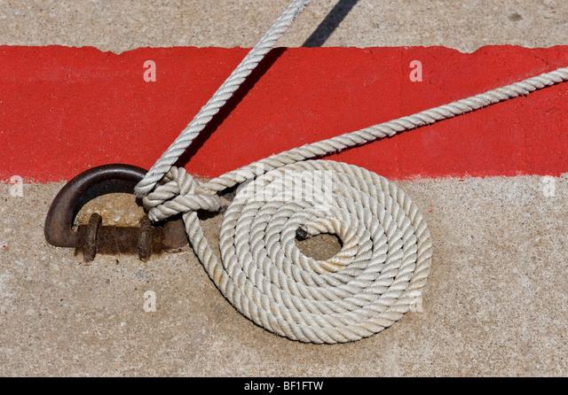 Ein aufgerollter nautischen Seil Stockbild