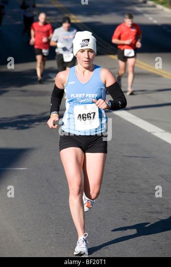 Läufer beim Marathon Columbus (Ohio) Stockbild