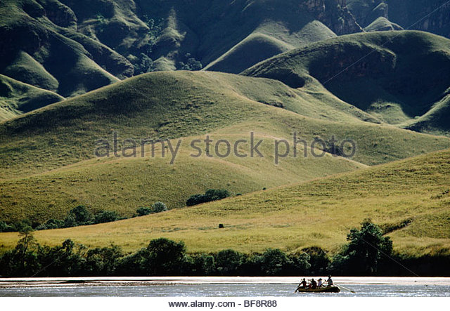 Touristen, rafting auf dem Fluss Mahajilo, Madagaskar Stockbild