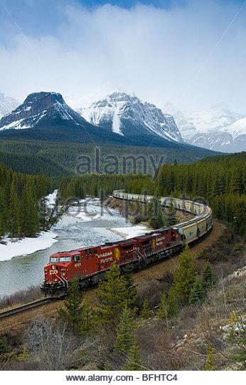 Zug, Morant Kurve, Banff Nationalpark, Alberta, Kanada Stockbild