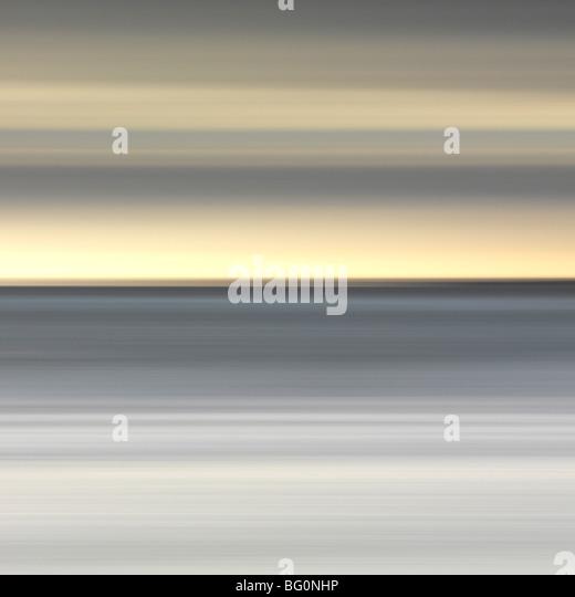Abstraktes Bild der Ansicht von Alnmouth Strand an der Nordsee, Alnmouth, Northumberland, England, Vereinigtes Königreich, Stockbild