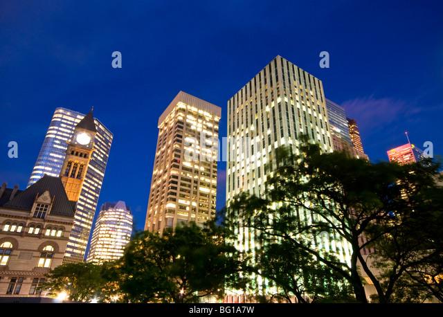 Financial District Wolkenkratzer Cameo und altes Rathaus, die Innenstadt von Toronto, Kanada, Ontario, Nordamerika Stockbild