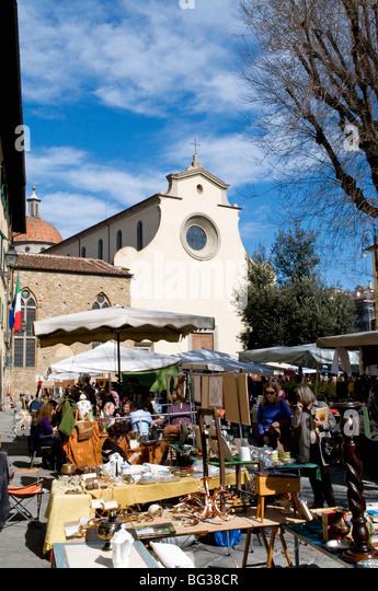Antiquarische Messe, Piazza Santo Spirito, Chiesa di Santo Spirito, Florenz (Firenze), UNESCO-Weltkulturerbe, Toskana, Stockbild