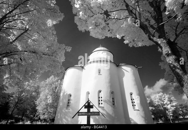 Infrarot-Bild der Kirche der Himmelfahrt der Jungfrau Maria, Uspenski Kloster, Staraya Ladoga, Gebiet Leningrad, Stockbild