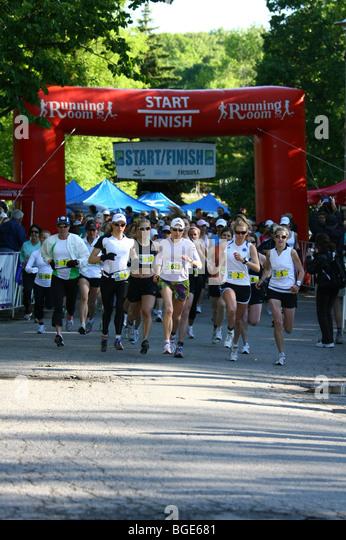 Weibliche Marathon Läufer Läufer Wettbewerb Stockbild