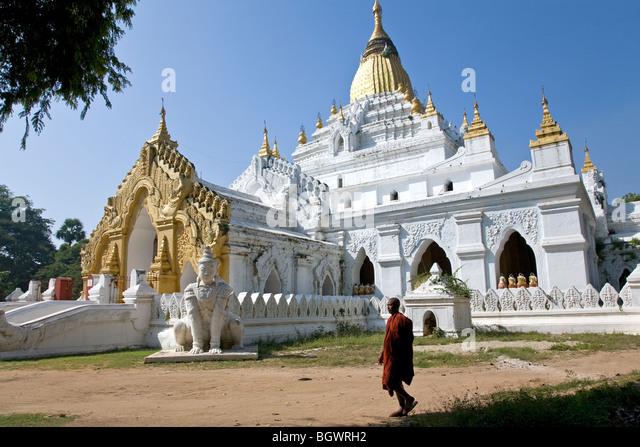 Buddhistischer Mönch in Kyauktawgyi Paya. Amarapura. Myanmar Stockbild