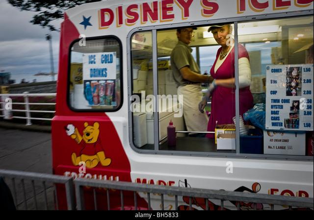 Disneys Ice Cream Van Dun Laoghaire Festival der Kulturen der Welt Stockbild