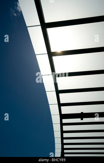 Sonne-Schatten-Segel-Struktur Stockbild