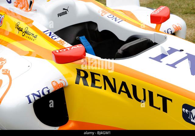 Renault Formel-Rennwagens gesponsert von ING Direct Einsparungen Stockbild