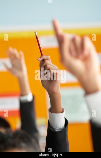 Klassenzimmer, Hände, Schule, Hände hoch, Bleistift, hell, Bildung, lernen, Antwort, vielfältig, Stockbild
