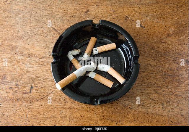 ashtray stockfotos ashtray bilder alamy. Black Bedroom Furniture Sets. Home Design Ideas