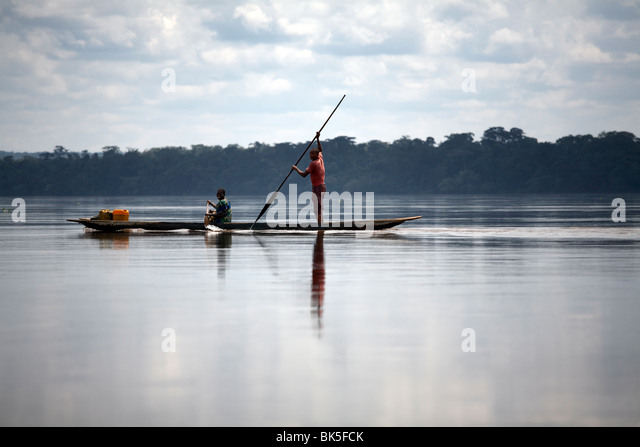 Schiffsverkehr auf dem Fluss Kongo, demokratische Republik Kongo, Afrika Stockbild