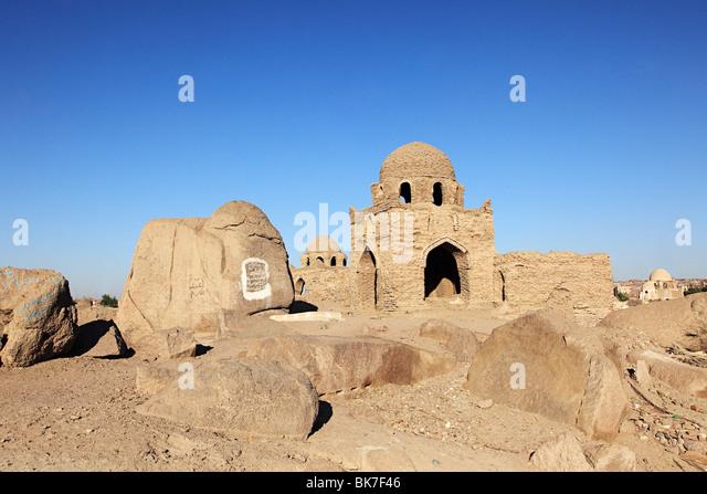 Alten muslimischen Friedhof in Assuan Stockbild