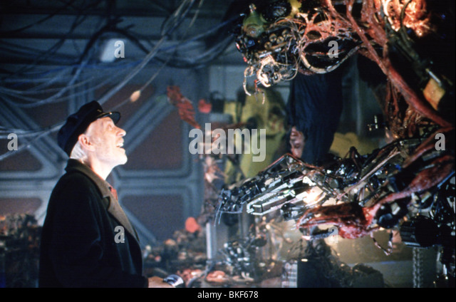 VIRUS-1998 DONALD SUTHERLAND Stockbild