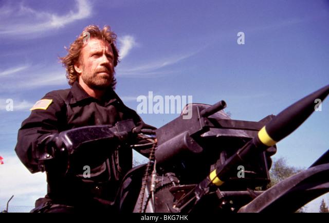 DIE DELTA FORCE (1986) CHUCK NORRIS DLF 002 Stockbild