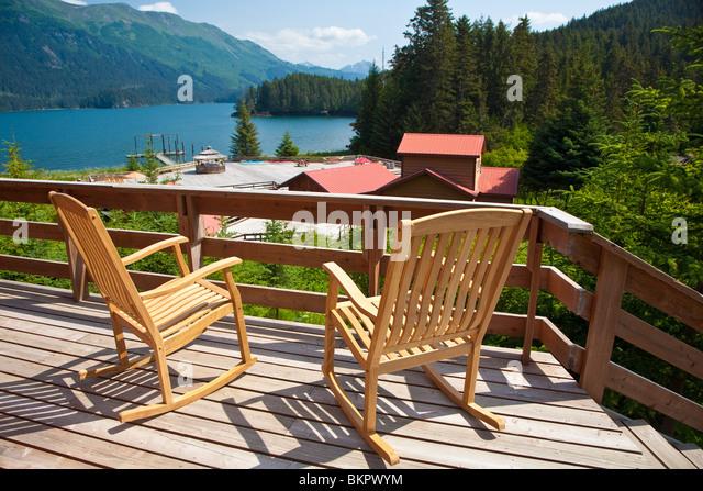 Blick von der Veranda einer Kabine bei Tutka Bay Wilderness Lodge, Kachemak Bay State Park, Kenai Penninsula, Alaska, Stockbild