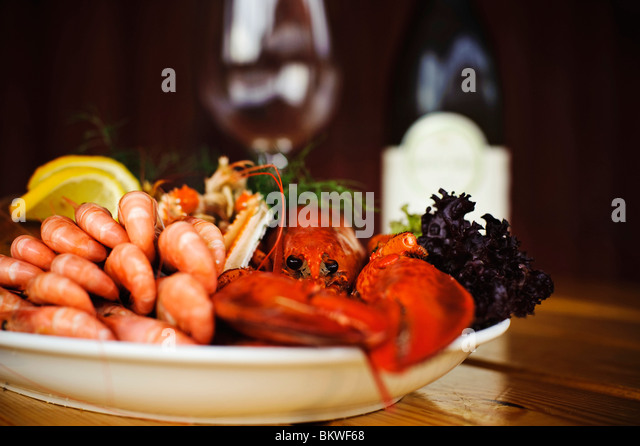 Nahaufnahme auf einer Platte mit Meeresfrüchten Stockbild
