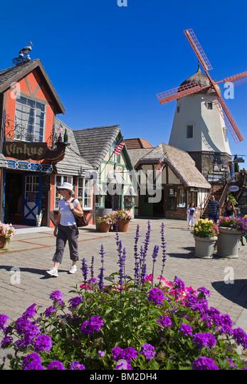 Windmühle auf Alisal Road, Solvang, Santa Barbara County, Zentral-Kalifornien, USA Stockbild
