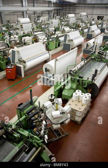 Weberei, Webstühle Gesamtansicht der Fabrik mit Stockbild