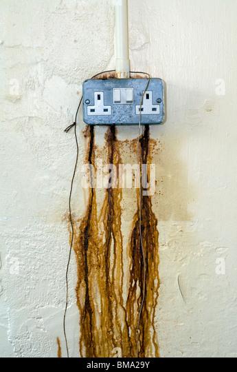 Rost, sickerte aus elektrische Power-Point, abstrakt, Strompreise, Gesundheit und Sicherheit, HSE, IOSH, EOSH undicht Stockbild