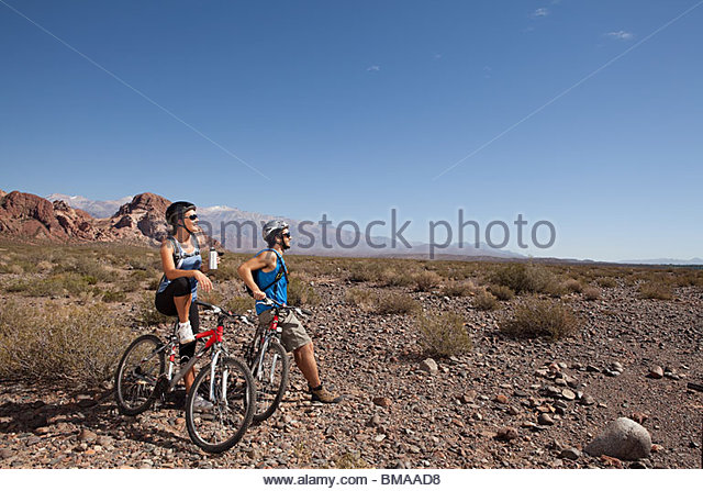 Mountain Biker paar Stockbild