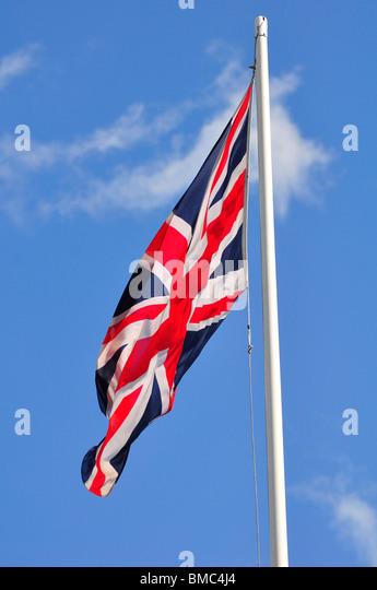 Britische Flagge am Mast Stockbild